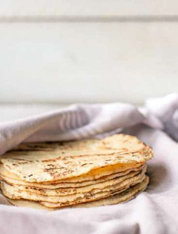 How to make easy corn tortilla recipe with only 3 ingredients masa harina, salt and water. This homemade corn tortillas recipe is gluten free and vegan. Visit thetortillachanne.com for the full instruction plus video. #corntortillas #homemadetortilla #glutenfreetortilla #easycorntortilla #tortillarecipe