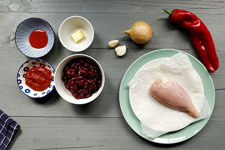 Pulled chicken bean stew filling ingredients