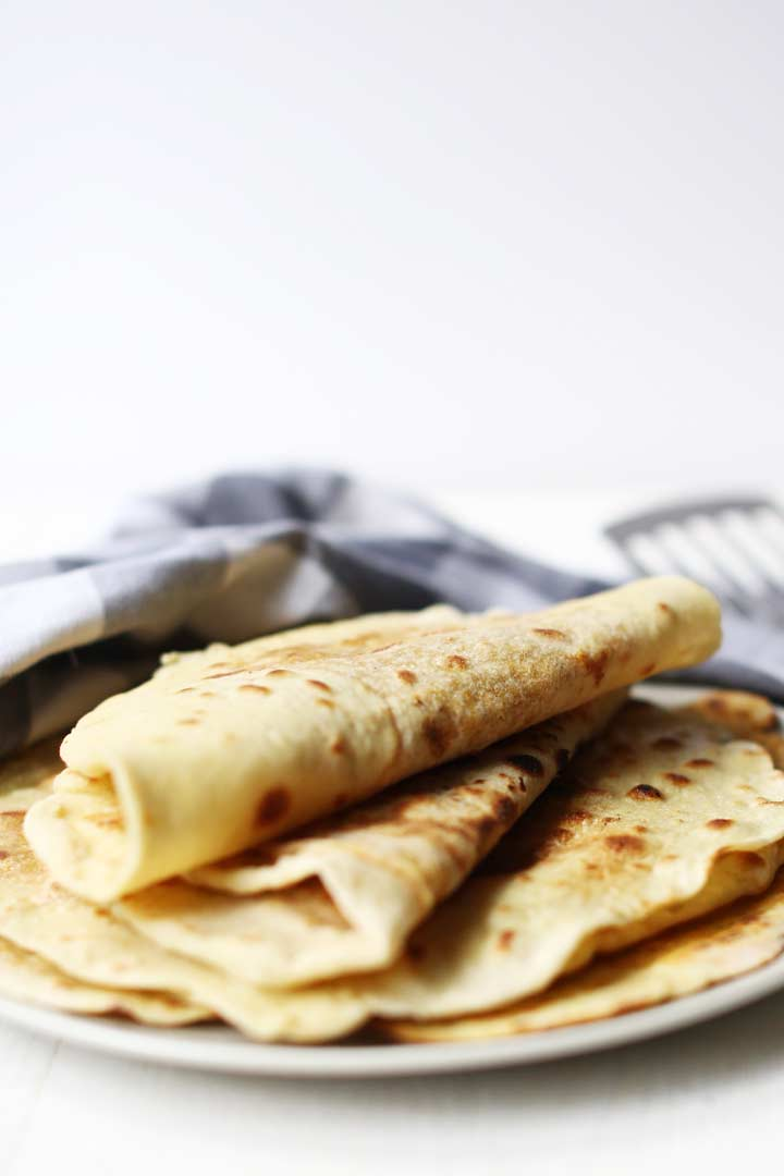 How to make roti an authentic Indian flatbread recipe that is used in the Surinam and India cuisine. Similar to a tortilla but made with dahl filling #thetortillachannel #howtomakeroti #rotirecipe #authenticroti #indianflatbreadrecipe