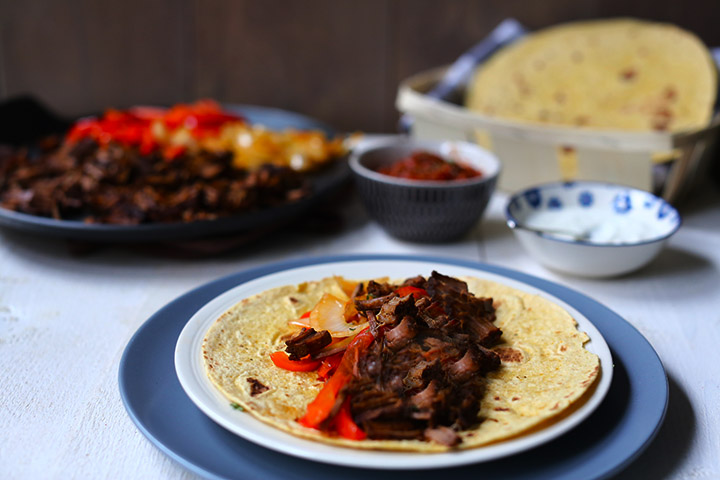 How to make Shredded tender beef brisket fajitas