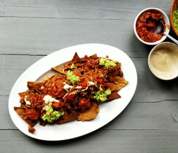 Jalapeno beef big plate nachos