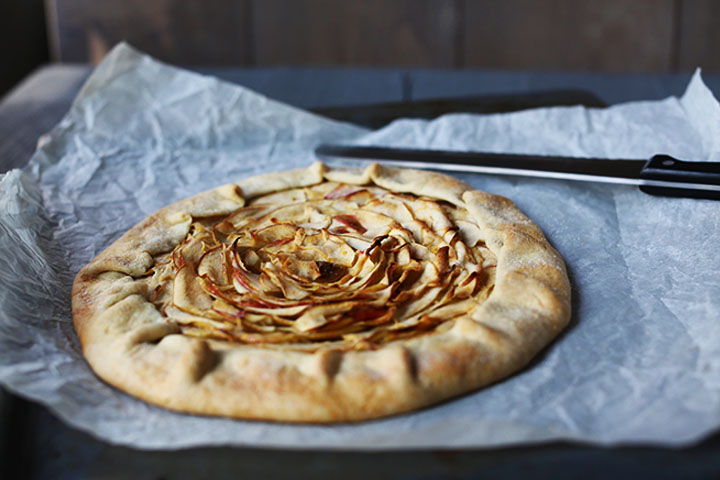 Sweet organic apple pie galette side II
