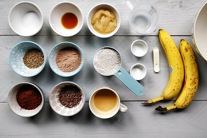 Vegan banana chocoloate muffin ingredients