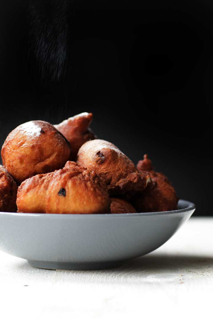 How to make these traditional oliebollen. They are chewy, sweet and fried. Decorated with icing sugar. A Dutch treat that is eaten around New Years eve #thetortillachannel #oliebollen #dutcholiebol#Dutchtreat #Dutcholiebollen #traditionaloliebollen