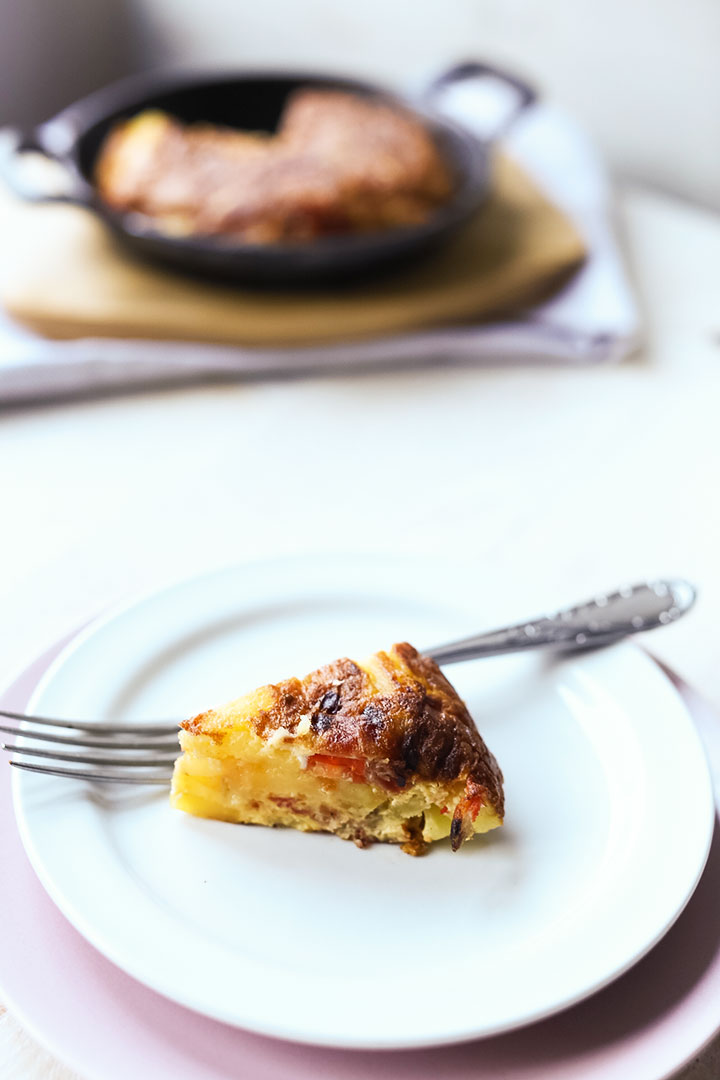 Authentic spanish tortilla with jamon side left