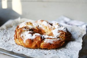 Dutch stollen bread with almond sugar paste is a great bread for your Christmas breakfast or brunch. It is a sweet bread so try this stollen bread #thetortillachannel #christmasbread #stollenbread #christmasstol #almondpaste #sweetbread