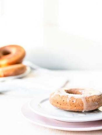 Oven baked cake donuts are soft and moist. These are healthier no butter or granulate sugar. Just a great post workout snack or dessert. Visit thetortillachannel.com #thetortillachannel #donut #cakedonut #doughnut #ovenbakedrecipe #snack