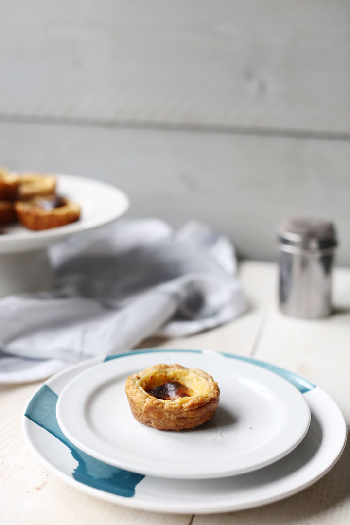 Pasteis de Nata recipe for a beautiful Portuguese custard tart also know as pasteis de Belem. Great with coffee or tea. #tortillachannel #pasteisdenata #pasteldebelem #pasteisdebelem #portuguesecustardtart