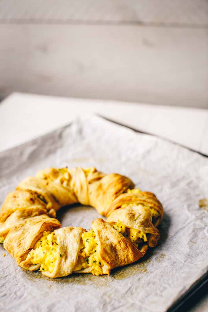 Egg, ham and cheese crescent ring is great as special breakfast or lunch dish. It uses ready made crescent or croissant dough. Visit thetortillachannel.com for the recipe and video instruction