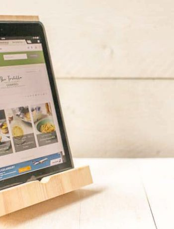Cook or watch TV on you tablet with this DIY Wooden tablet holder. Visit thetortillachannel.com for the FREE instructional drawing and video.