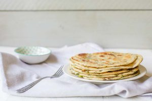 The best Chinese scallion pancakes with just 5 ingredients. A vegan recipe also known as Cong You bing. #scallionpancake #chinesepancake #chinesescallionpancake #pancake #congyoubing