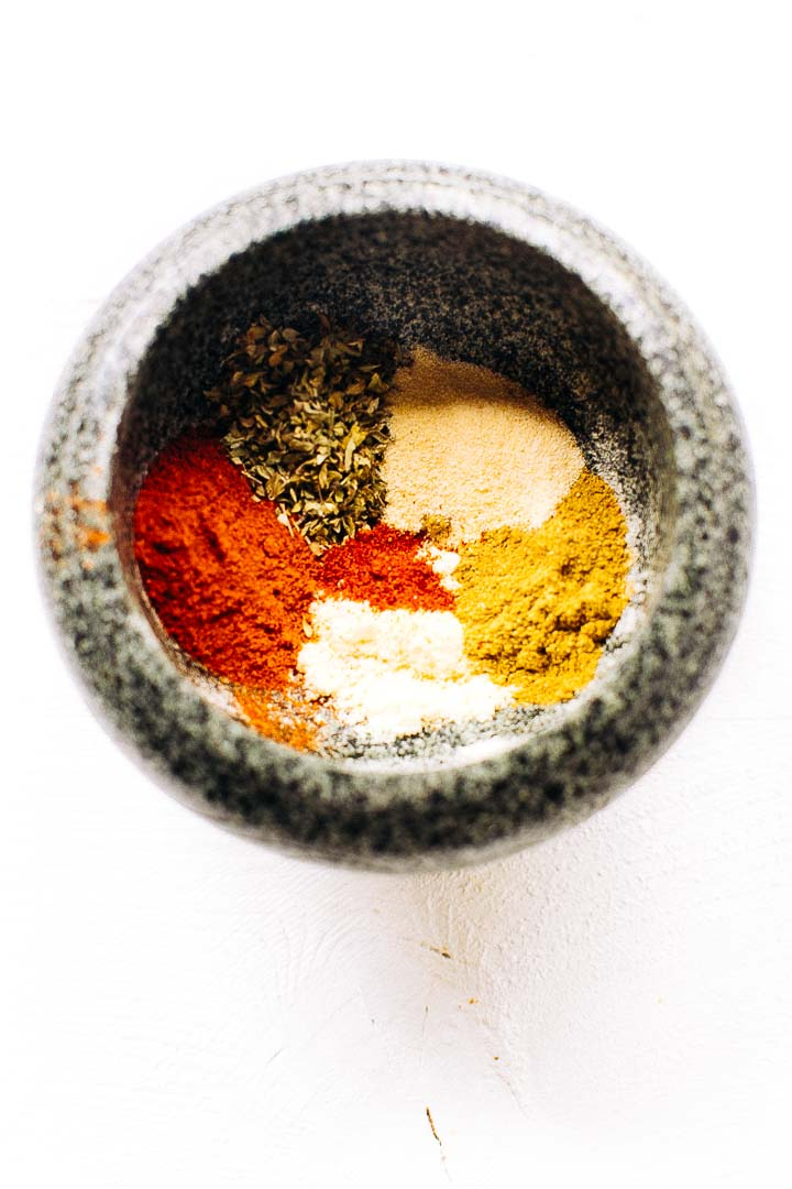 Easy chili powder seasoning mix that you will absolutely love. Easy to make #chilipowder #homemadechilipowder #chiliseasoning #chili