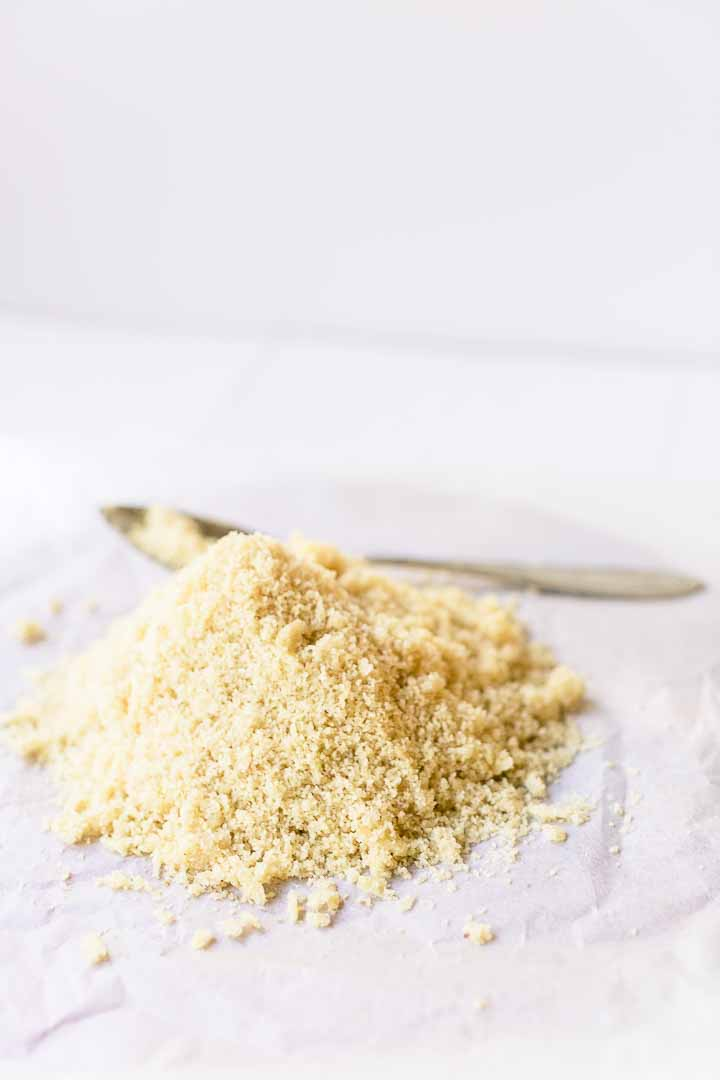 Need almond flour? Make it yourself! It is really easy and much cheaper than store bought. Take a look at this recipe and video and give it a try! Visit thetortillachannel.com for the full recipe and video #thetortillachannel #almondflour #homemadealmondflour