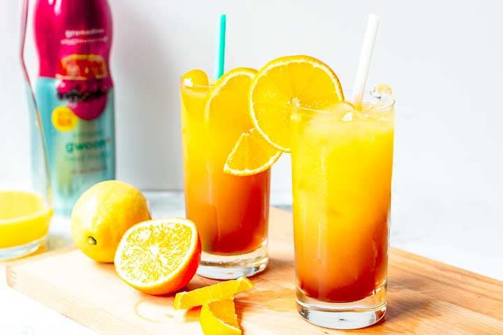 How to make a tequila sunrise cocktail is a great cocktail with orange juice, tequila and geradine syrup. Want to make this recipe visit thetortillachannel.com #tequila #cocktail #tequilacocktail #tequilasunrise #tequilarecipe #howtomaketequilasunrise