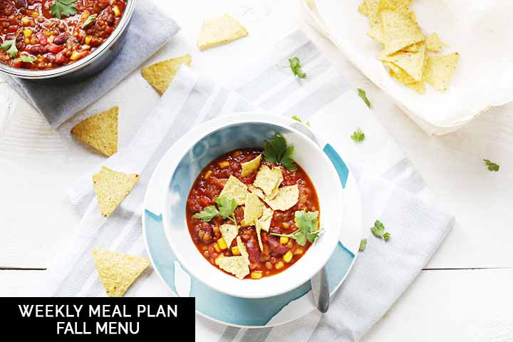 This weekly meal plan is all about the Fall. Warm dinner recipes and a sweet recipe as well. Sharing 7 recipes for every day of the week. #thetortillachannel #weeklymealplan #mealplan #weekmenu #fallmenu