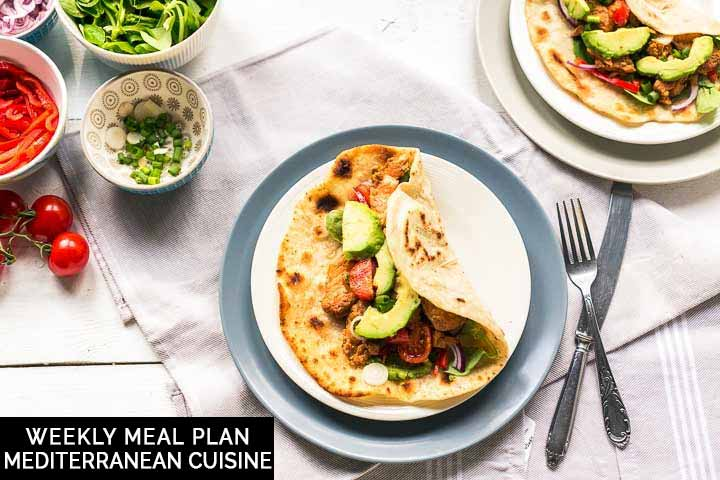 On the menu 7 Mediterranean recipes for lunch or dinner. From tortillas, wrap, pasta, meat or vegetarian. #thetortillachannel #weeklymealplan #mealplan #mediterraneancuisine #mediterraneanrecipes