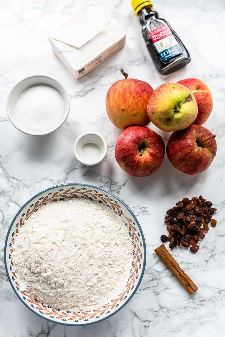 Dutch apple pie recipe the perfect dessert. Rustic sweet apple treat great with coffee or as dessert. #thetortillachannel #dutchapplepie #dutchapplepierecipe #applepie #sweetdessert #sweetbaking