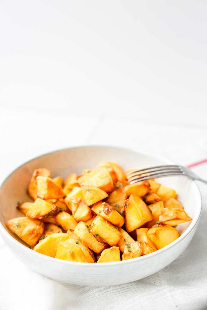 Patatas bravas are a classic tapas recipe. Spanish potatoes that are crunchy on the outside and soft on the inside. Great snack, appetizer or tapas. Visit thetortillachannel.com for the full recipe #thetortillachannel #patatasbravas #spanishpotaties #papasbravas
