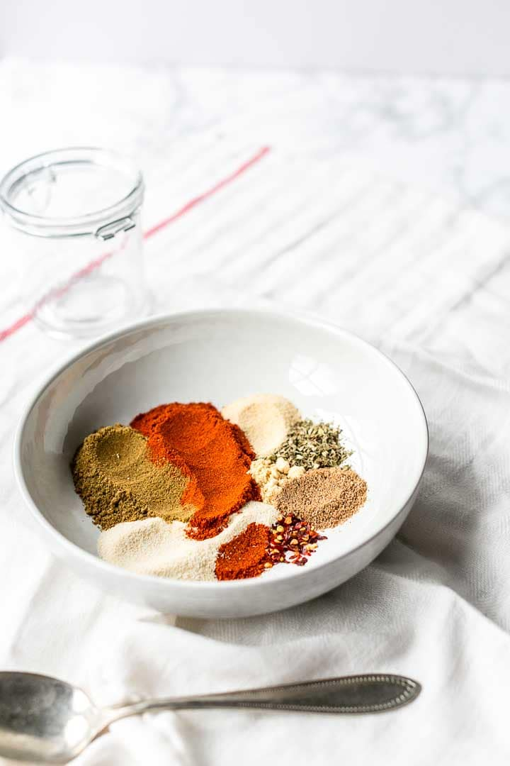 Adobo seasoning is a dry spice mix for all your Mexican beef, chicken, pork or fish recipes. Especially for grill recipes you can use this spice blend. Visit thetortillachannel.com for the full recipe. #thetortillachannel #adoboseasoning #spiceblend #spicemix #adobospicemix #dryrub