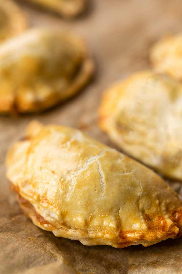 Looking for the best sweet empanadas? Take a look at this empanada dessert recipe. Made with apple pie filling. Visit thetortillchannel.com for the full recipe. #thetortillachannel #empanadas #empanada #sweetempanadas #applepiefilling #sweetdessert #mexicandessert