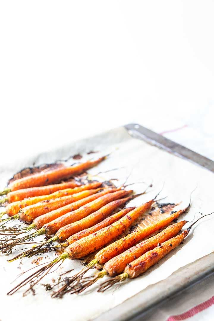 Turn boring vegetables in your new favorite recipe. Try this honey garlic carrots. Visit thetortillachannel.com for the full recipe. #thetortillachannel #honeygarliccarrot #carrotrecipe #honeygarliccarrotsrecipe