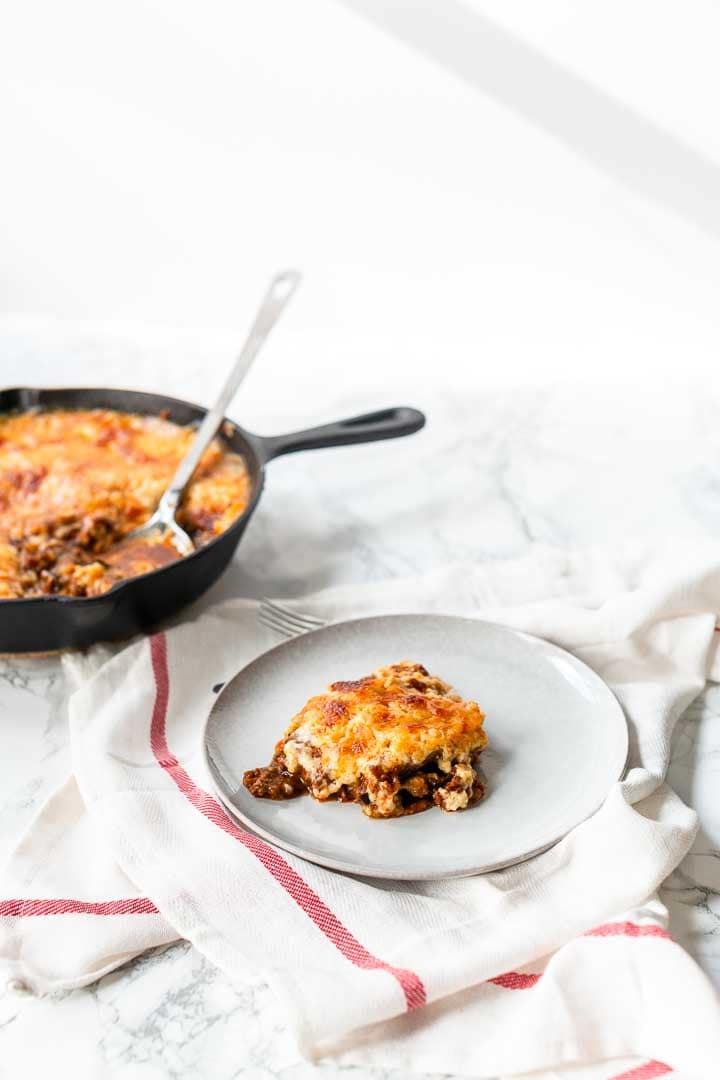 Easy moussaka is a delicious dinner recipe made with ground beef sauce, grilled eggplant and potatoes. Visit thetortillachannel.com for the full recipe. #thetortillachannel #moussaka #easymoussaka #moussakarecipe