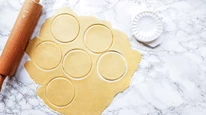 Looking for a quick and easy sweet empanada dough try this recipe. A great pastry recipe for your tarts, pies, turnovers and hand pies. Visit thetortillachannel.com for the full recipe #thetortillachannel.com #sweetempanadas #empanadas #tarts #pie #dessert #turnover #handpie