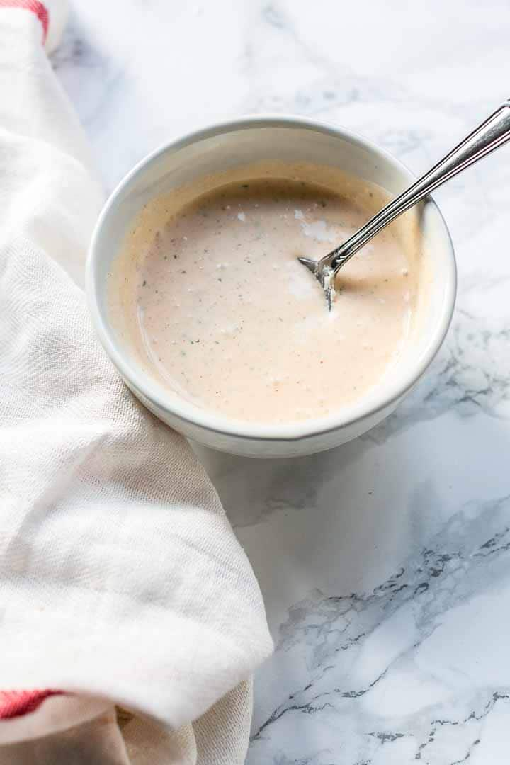 What to serve with your burrito recipes? Try this burrito sauce recipe. It is super easy to make and you have it on the table in no time. Visit thetortillachannel.com for the full recipe + video #thetortillachannel #burritosauce #burritosaucerecipe #saucerecipe