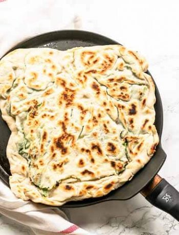 Looking for a tasty lunch or dinner? Try this gozleme with spinach and feta recipe. This Turkish flatbread is unleavened so done in no time and so tasty! Visit thetortillachannel.com for the full recipe #thetortillachannel #gozleme #gozlemespinachfeta #turkishflatbread