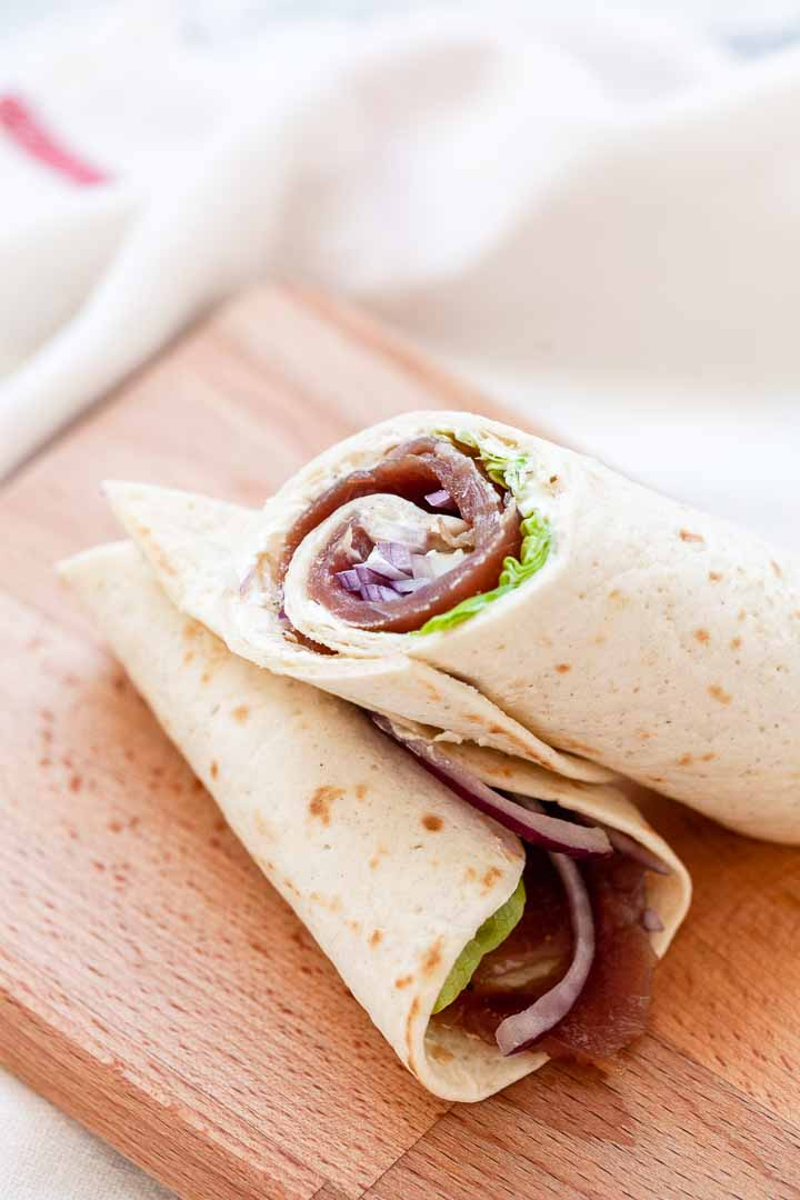 Looking for another amaizng wrap recipe? Try these fresh sliced tuna wraps. No mayonnaise or tuna salad but fresh tuna and done in no time.
