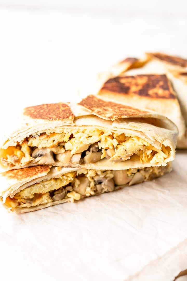 The best breakfast in a wrap that is the breakfast crunchwrap! Find all the classic breakfast tastes inside this warm burrito size tortilla. Great for breakfast, lunch or brunch. Visit thetortillachannel.com for the full recipe and instructions #thetortillachannel #breakfastcrunchwrap #crunchwraprecipe