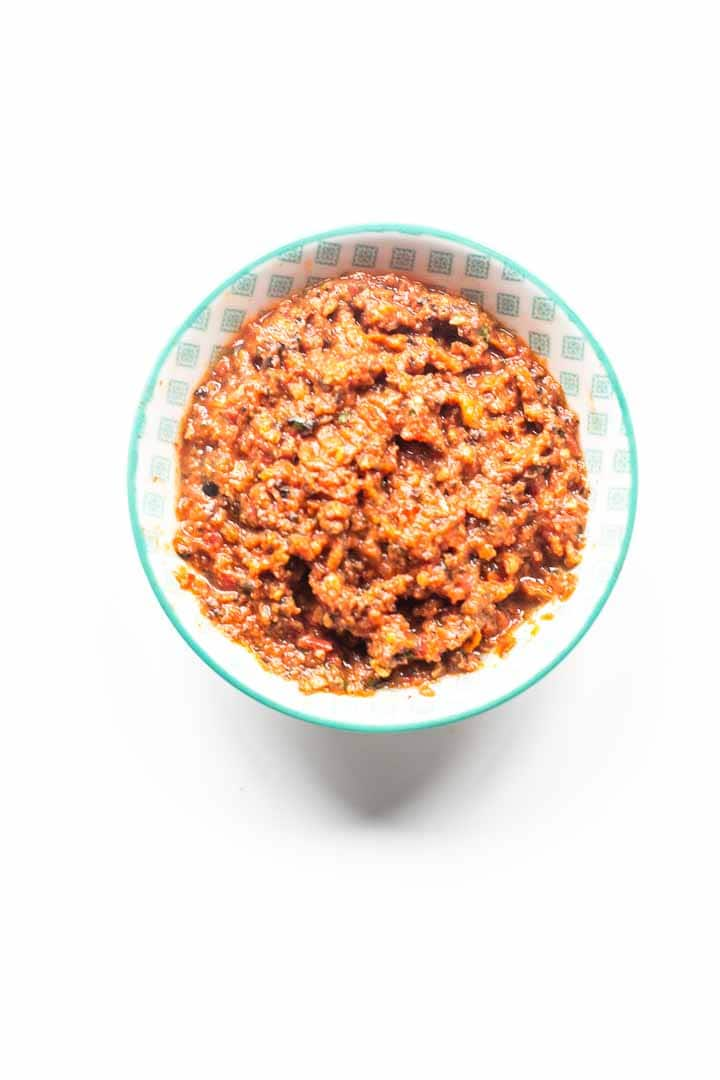 Looking for a great spread to put on your bread, toast, crackers or crostini? Try this super easy and tasty sun dried tomato spread. Done in no time with a blender. Visit thetortillachannel.com for the full recipe #thetortillachannel #tomatospread #sundriedtomatospread #spread #tomatotapenade